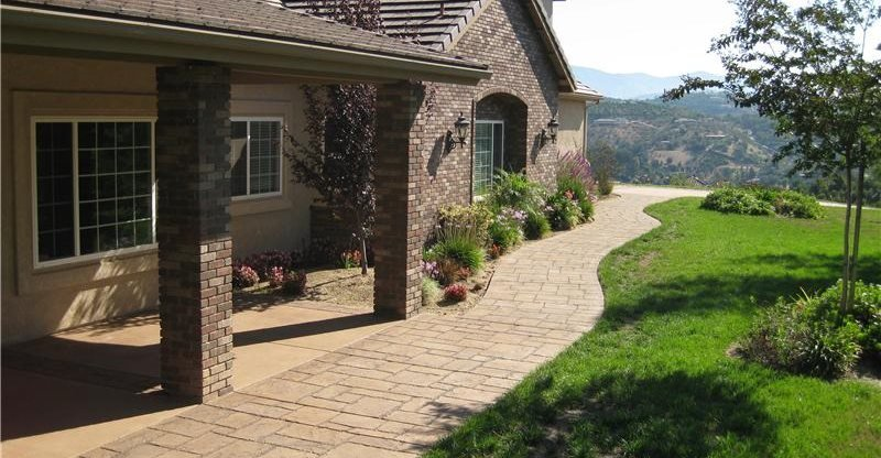concrete walkway side of house concrete walkways capstone concrete san diego ca - Sidewalk Design Ideas