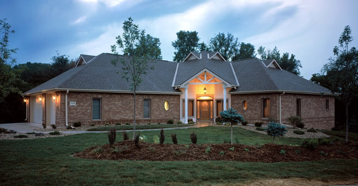 brick concrete home concrete homes fox blocks omaha ne - Concrete Home Designs