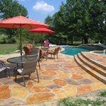 冲压混凝土泳池甲板达拉斯冲压混凝土崇高混凝土解决方案LLC。Plano,TX.