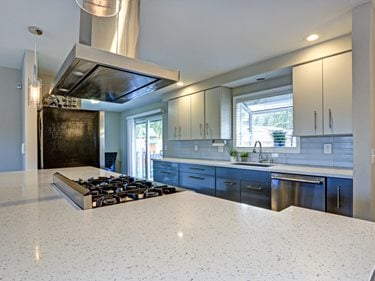 Quartz, Kitchen Island, Countertop Site Shutterstock ,