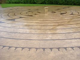 Outdoor Concrete Walkway, Stained Concrete, Etched Concrete Site De Verdon - UK UK,