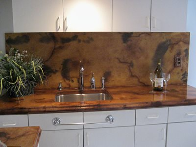 Veined backsplash