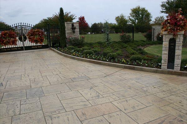 Driveway Apron, Stamped, Stone, Tan Concrete Driveways Ozark Pattern Concrete, Inc. Lowell, AR