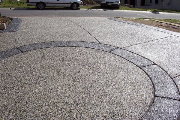 Exposed Aggregate, Circle Concrete Driveways Hendersons Concreting Services pty Ltd New South Wales, Australia