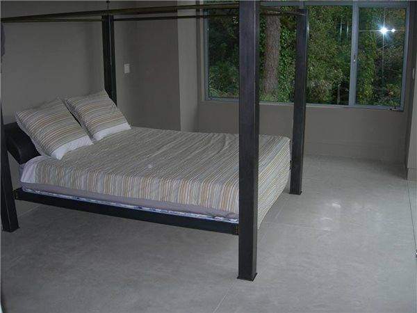 Heated, White Gray Floors A. Pellizzari & Company Inc. Palo Alto, CA