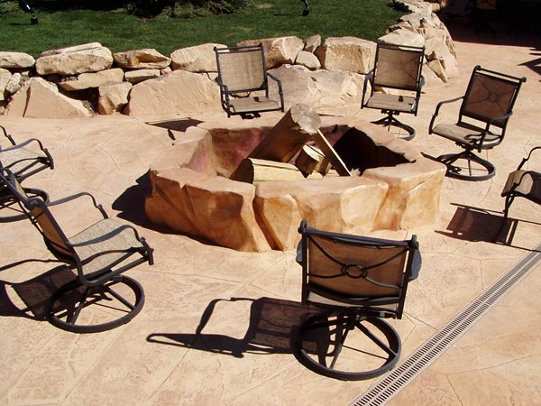 Red, Rock Outdoor Fire Pits Bomanite Corporation Madera, CA