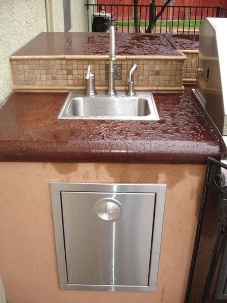 Cantilever, Bi-Level Outdoor Kitchens Steele Custom Concrete   Sacramento, CA