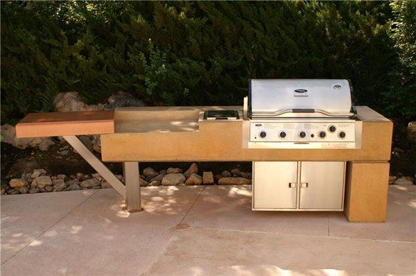 Contoured Concrete Barbecue, Outdoor Concrete Countertop Outdoor Kitchens Thomas Design and Construction LLC Salt Lake City, UT