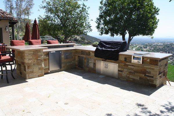 Raised Bar, Round Edge Outdoor Kitchens The Green Scene Chatsworth, CA