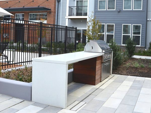 Waterfall Counter, Grill Station Outdoor Kitchens Hyde Concrete Pasadena, MD