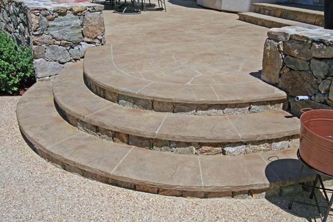 how to make a curved concrete walkway