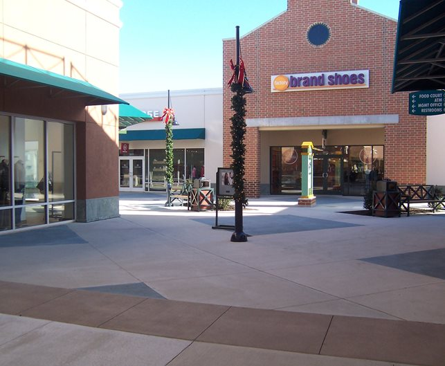 Outlet Mall, Philadelphia Concrete Walkways Architectural Concrete Design Levittown, PA