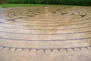 Outdoor Concrete Walkway, Stained Concrete, Etched Concrete Site De Verdon - UK UK,