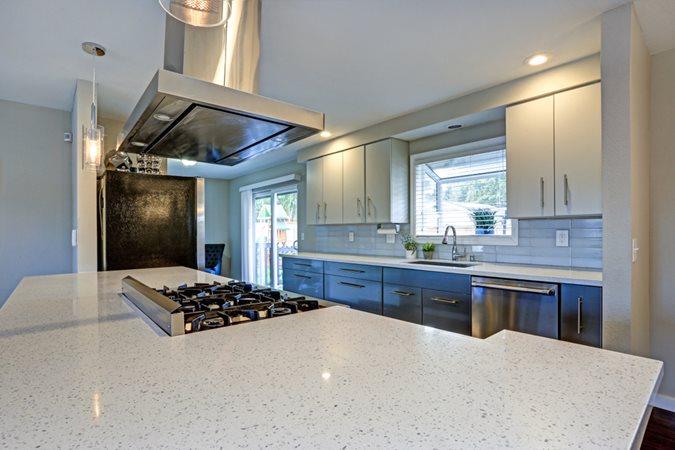 Quartz, Kitchen Island, Countertop Site Shutterstock