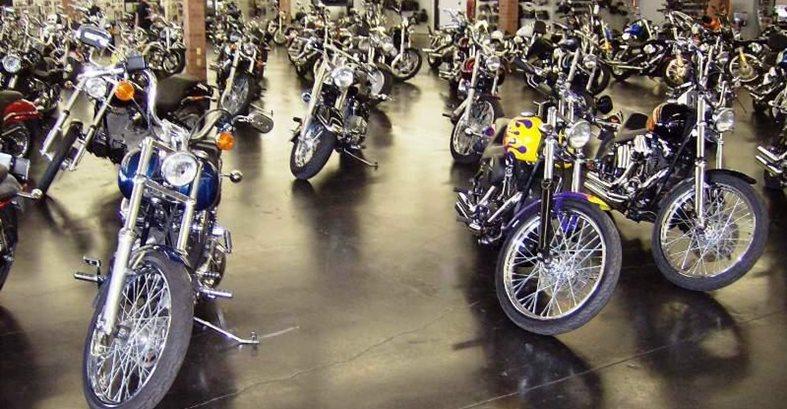 摩托车陈列室,混凝土地板现场彩色帽子混凝土涂料,Inc.Sherman,TX