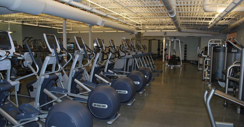 健身房,抛光地板,纯色的具体走道合同地板和设计Inc Kinston,NC