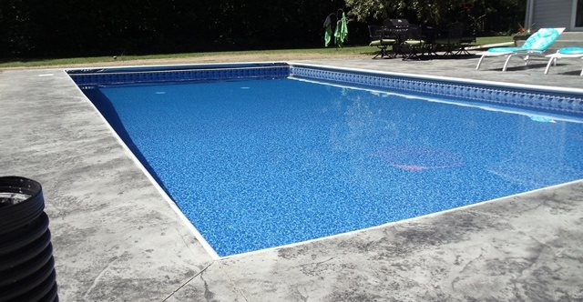 Decorative concrete showroom tips the concrete network for Pool deck design tool