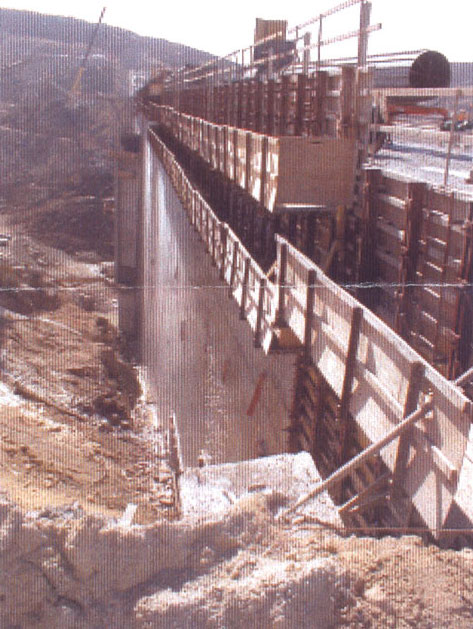 Roller Compacted Concrete Dam : North americas tallest roller compacted dam rises in san